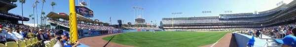 Dodger Stadium, sección: 49FD, fila: AA, asiento: 4