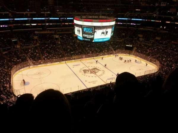 Staples Center, sección: 303, fila: 10, asiento: 11