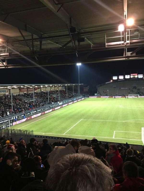 Stade Raymond Kopa, sección: Coubertin D, fila: AE, asiento: 108
