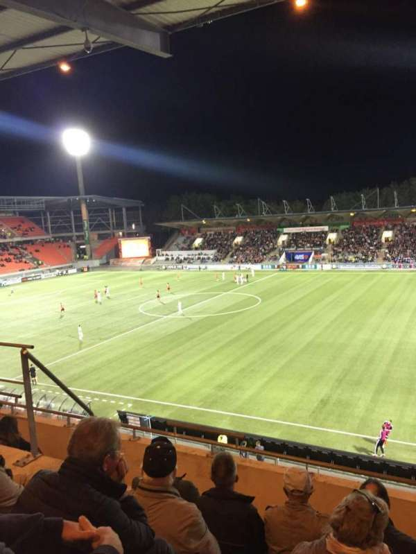Stade Du Moustoir, sección: Tribune J.Floch 16, fila: ZA, asiento: 180