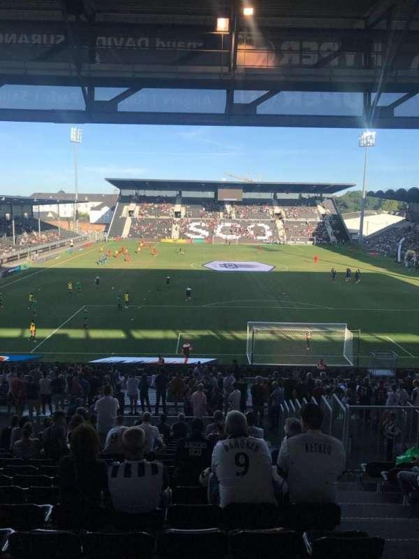 Stade Raymond Kopa, sección: Coubertin, fila: AD, asiento: 110