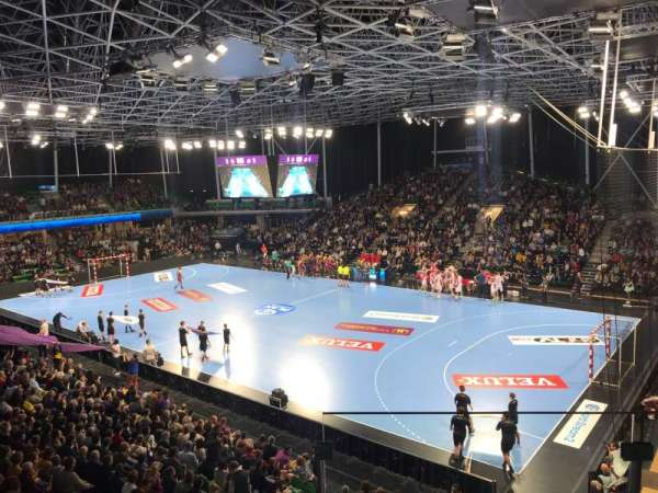 Palais des Sports de Beaulieu, sección: 113B, fila: R, asiento: 187