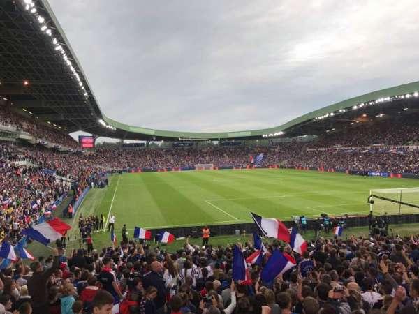 Stade De La Beaujoire, sección: E2F, fila: ZC, asiento: 221