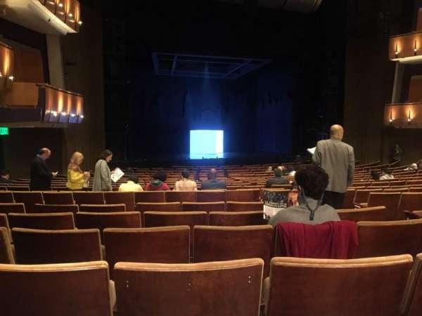 Ahmanson Theatre, sección: Orchestra, fila: T, asiento: 48