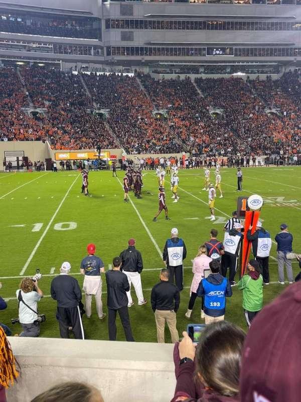 Lane Stadium, sección: 15, fila: J, asiento: 15