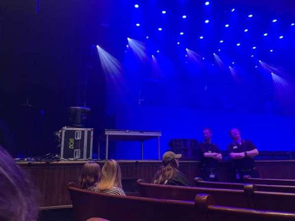 Ryman Auditorium, sección: Main Floor 7, fila: G, asiento: 6