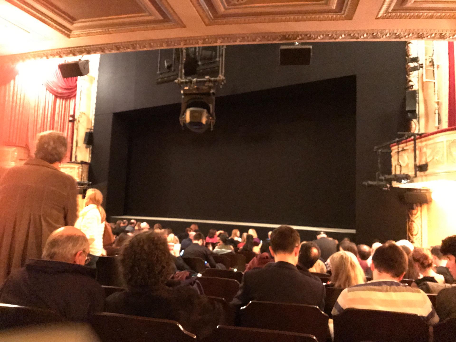 Bernard B. Jacobs Theatre Sección Orchestra L Fila N Asiento 14