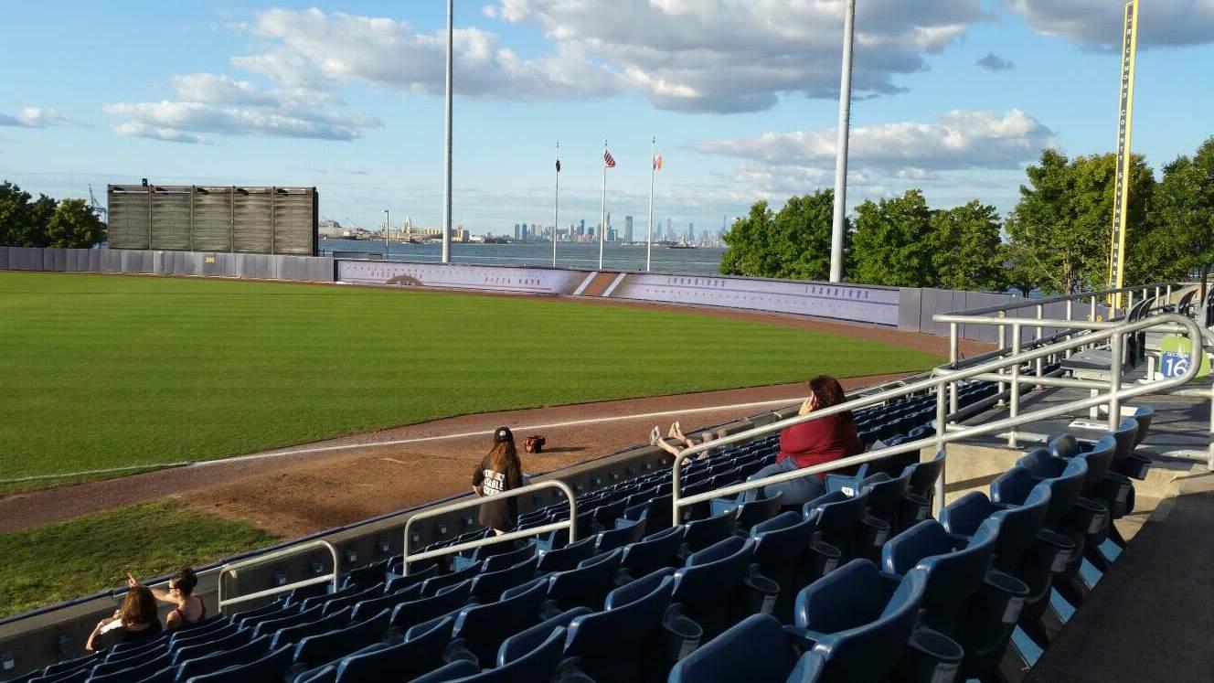 Richmond County Bank Ballpark Sección 15 Fila L Asiento 9