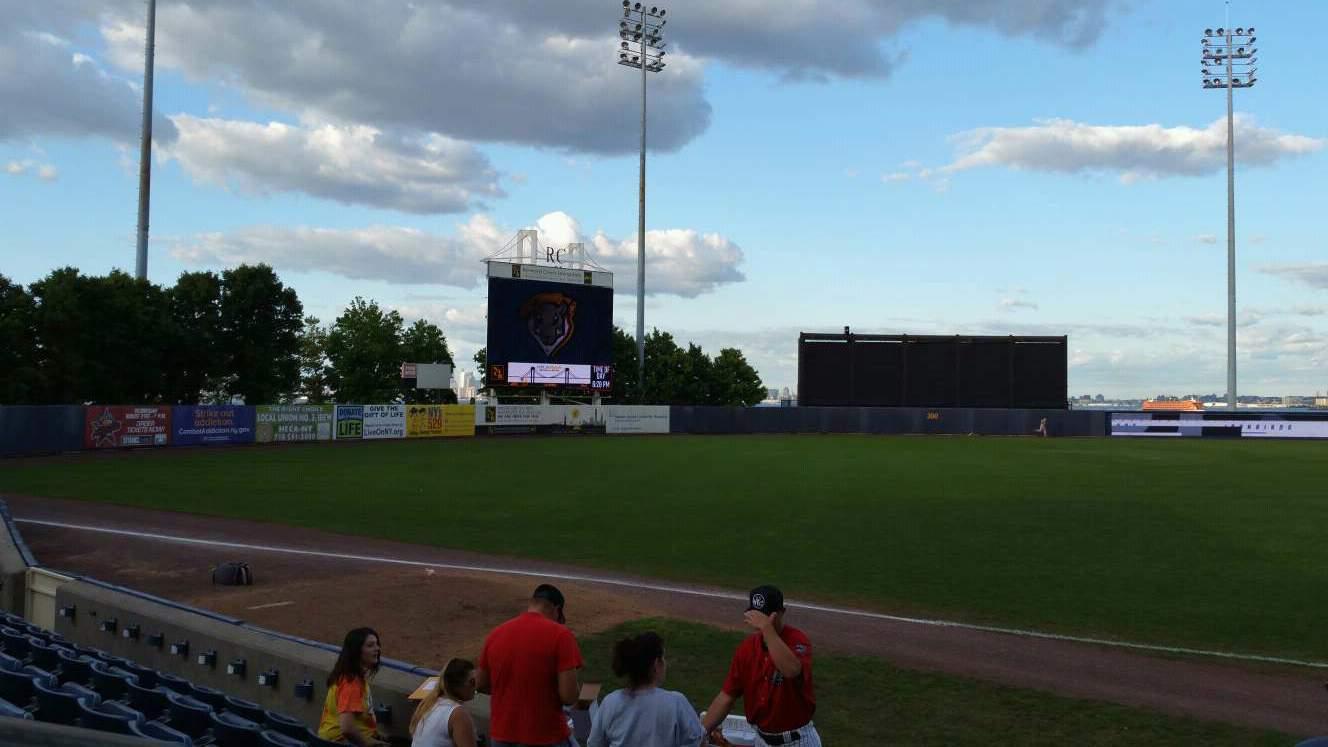 Richmond County Bank Ballpark Sección 4 Fila F Asiento 24