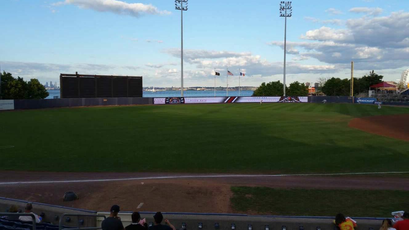 Richmond County Bank Ballpark Sección 3 Fila M Asiento 17