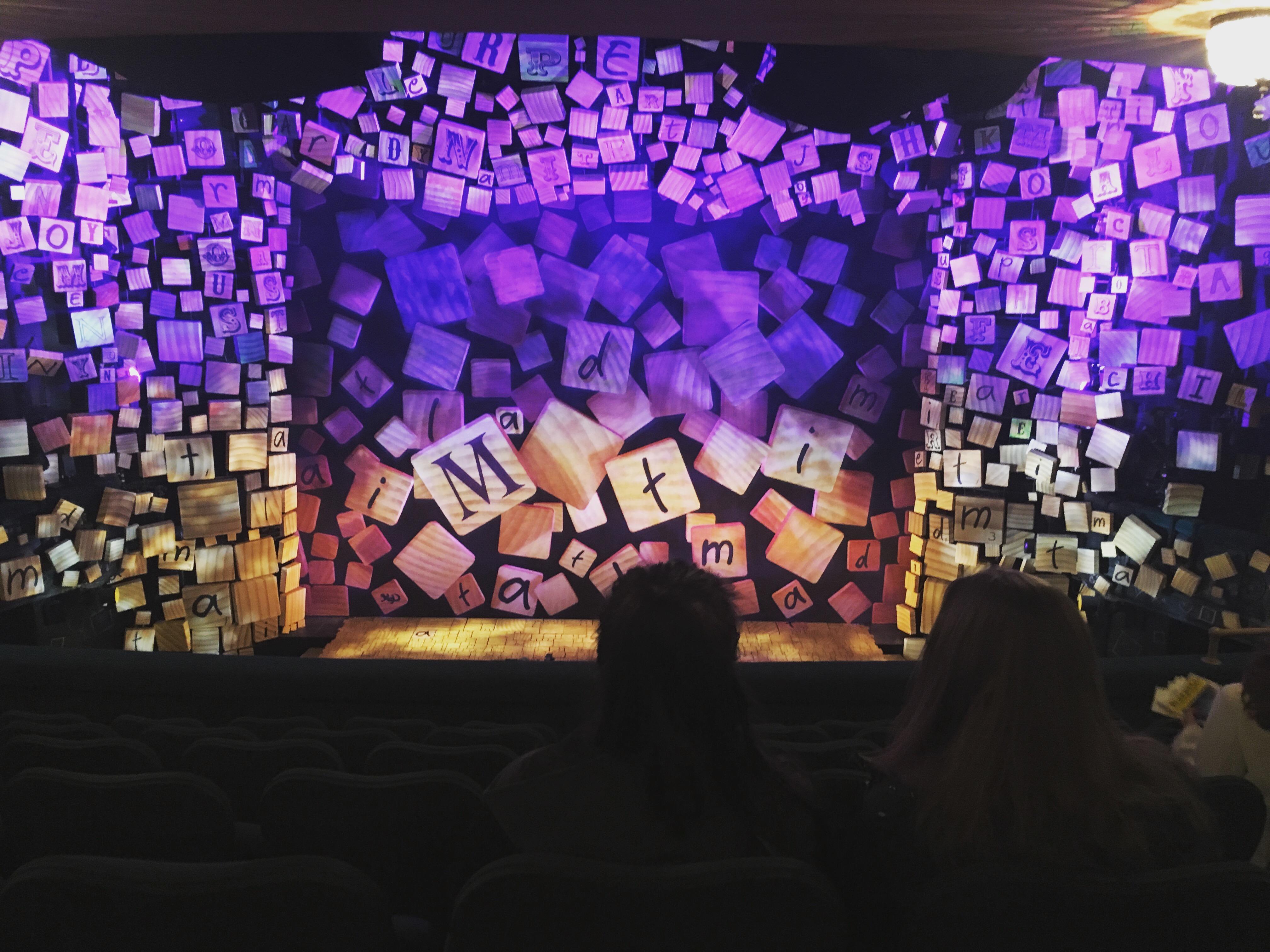 Shubert Theatre Sección Mezzanine C Fila G Asiento 107