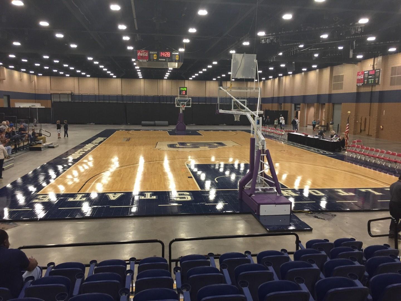 Mashburn Arena Sección 2 Fila HH Asiento 7