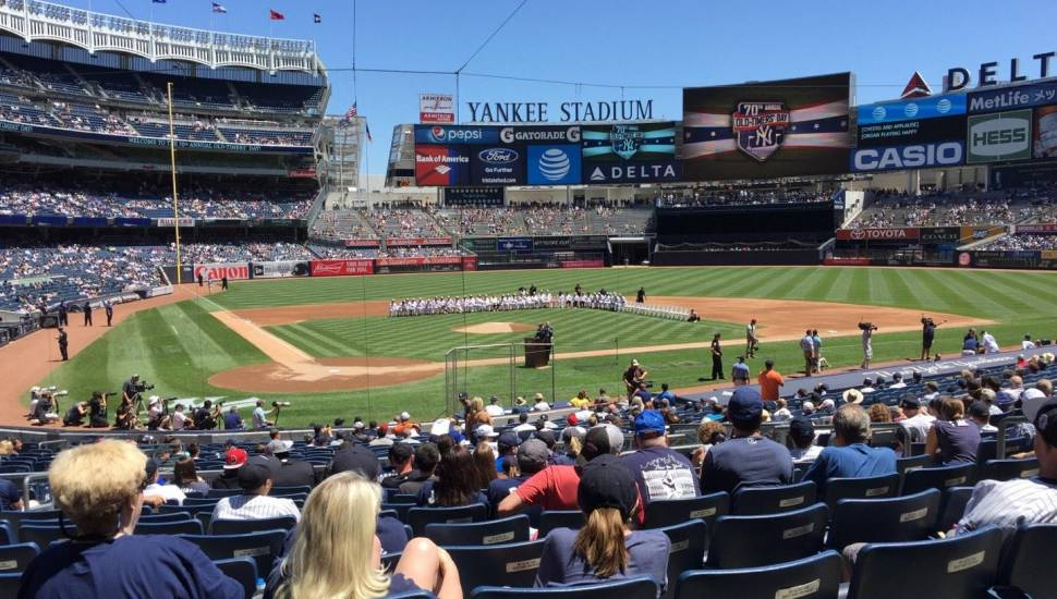 Yankee Stadium,  Sección <strong>101</strong>, Fila <strong>18</strong>, Asiento <strong>17</strong>