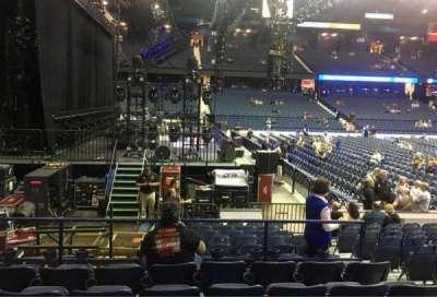 Allstate Arena, sección: 104, fila: F, asiento: 5