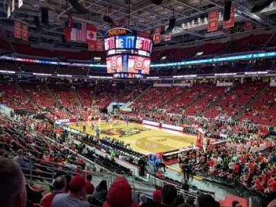 PNC Arena, sección: 115, fila: W, asiento: 4