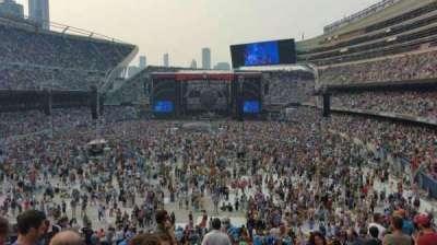 Soldier Field, sección: 221, fila: 11, asiento: 10