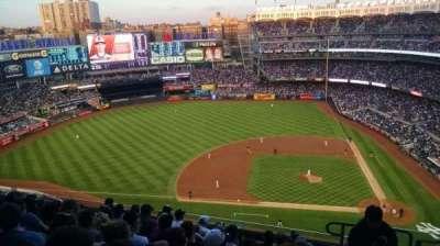 Yankee Stadium, sección: 424, fila: 8, asiento: 2