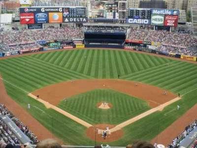 Yankee Stadium, sección: 420B, fila: 8, asiento: 15