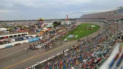 Daytona International Speedway, sección: 423, fila: 24, asiento: 4a