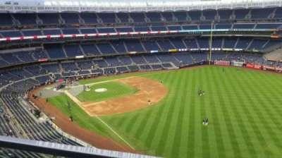 Yankee Stadium, sección: 409, fila: 1, asiento: 2