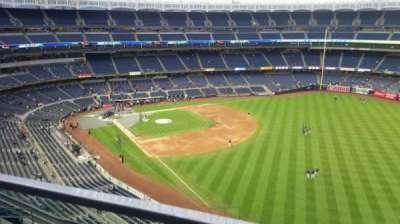 Yankee Stadium, sección: 409, fila: 1, asiento: 3