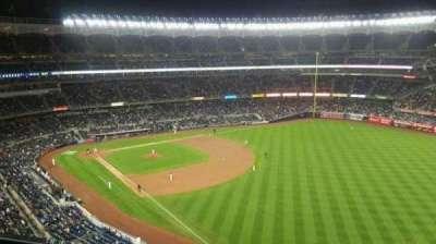 Yankee Stadium, sección: 409, fila: 1, asiento: 9
