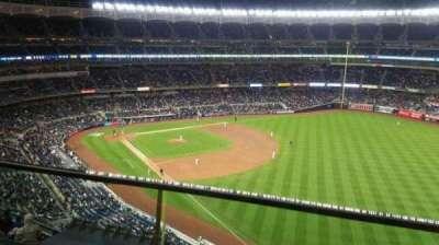 Yankee Stadium, sección: 409, fila: 1, asiento: 10