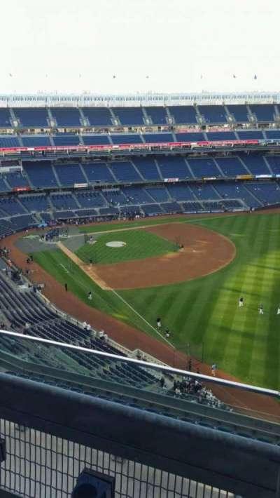 Yankee Stadium, sección: 409, fila: 2, asiento: 2