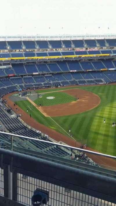 Yankee Stadium, sección: 409, fila: 2, asiento: 3