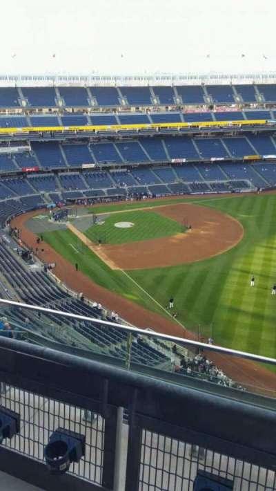 Yankee Stadium, sección: 409, fila: 2, asiento: 4