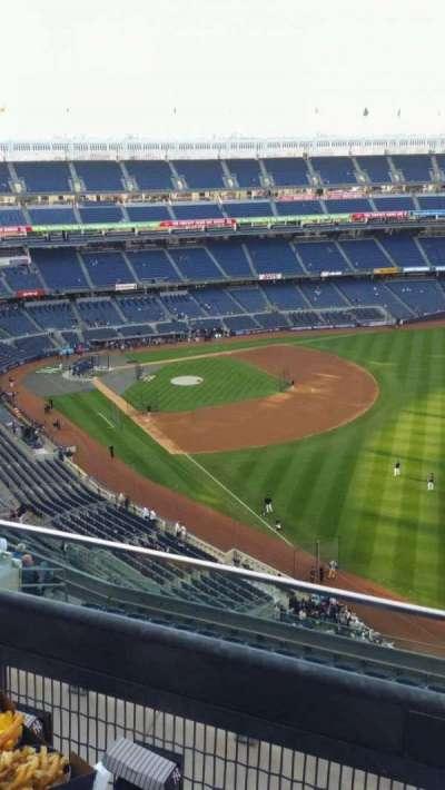 Yankee Stadium, sección: 409, fila: 2, asiento: 6