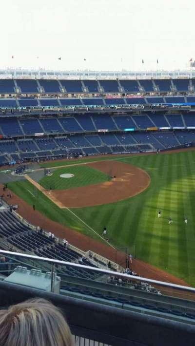 Yankee Stadium, sección: 409, fila: 2, asiento: 7
