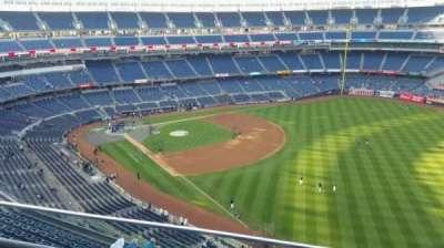 Yankee Stadium, sección: 409, fila: 2, asiento: 11
