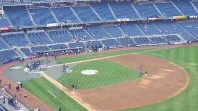 Yankee Stadium, sección: 410, fila: 1, asiento: 2