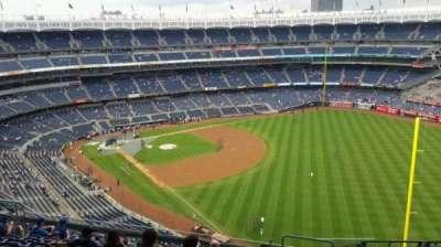 Yankee Stadium, sección: 409, fila: 11, asiento: 3