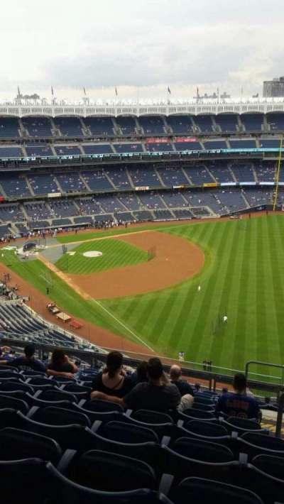 Yankee Stadium, sección: 409, fila: 11, asiento: 4