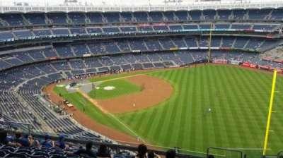 Yankee Stadium, sección: 409, fila: 11, asiento: 5