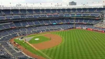 Yankee Stadium, sección: 409, fila: 11, asiento: 13