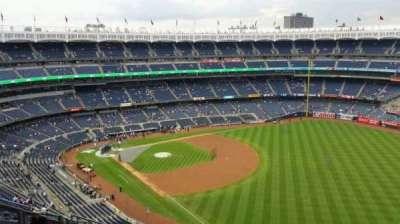 Yankee Stadium, sección: 409, fila: 11, asiento: 15