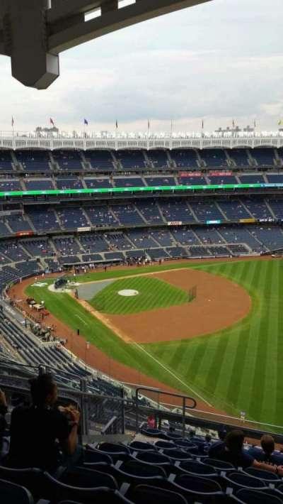 Yankee Stadium, sección: 409, fila: 11, asiento: 16