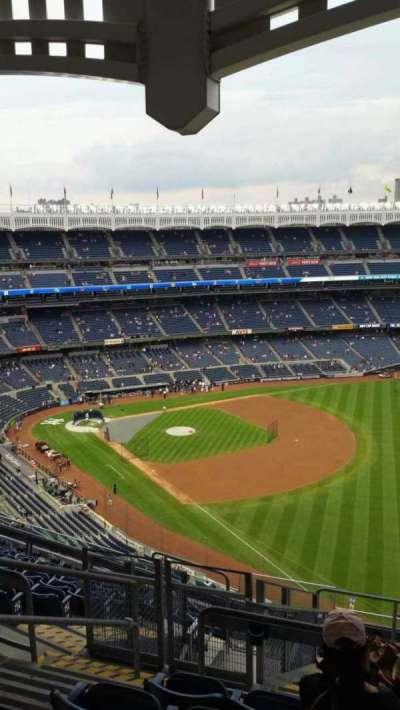 Yankee Stadium, sección: 409, fila: 11, asiento: 20