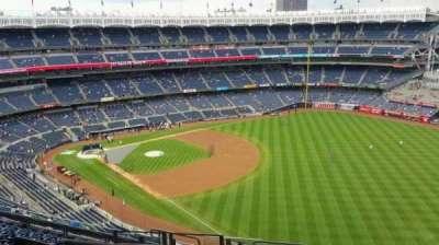 Yankee Stadium, sección: 408, fila: 11, asiento: 21