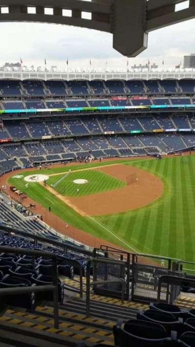 Yankee Stadium, sección: 409, fila: 12, asiento: 23