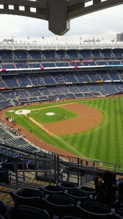 Yankee Stadium, sección: 409, fila: 12, asiento: 21