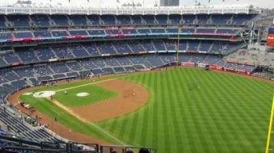Yankee Stadium, sección: 409, fila: 12, asiento: 20