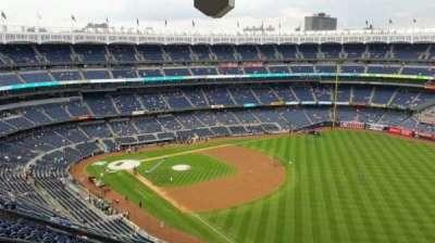 Yankee Stadium, sección: 409, fila: 12, asiento: 22