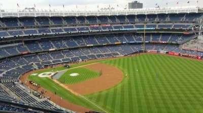 Yankee Stadium, sección: 409, fila: 11, asiento: 23