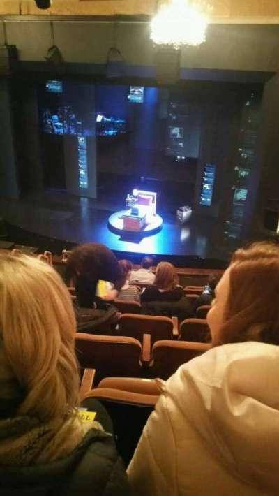 Music Box Theatre, sección: Mezzanine, fila: J, asiento: 12