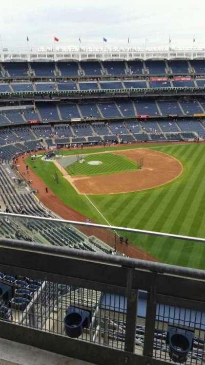 Yankee Stadium, sección: 408, fila: 2, asiento: 11