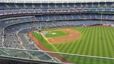 Yankee Stadium, sección: 408, fila: 2, asiento: 14